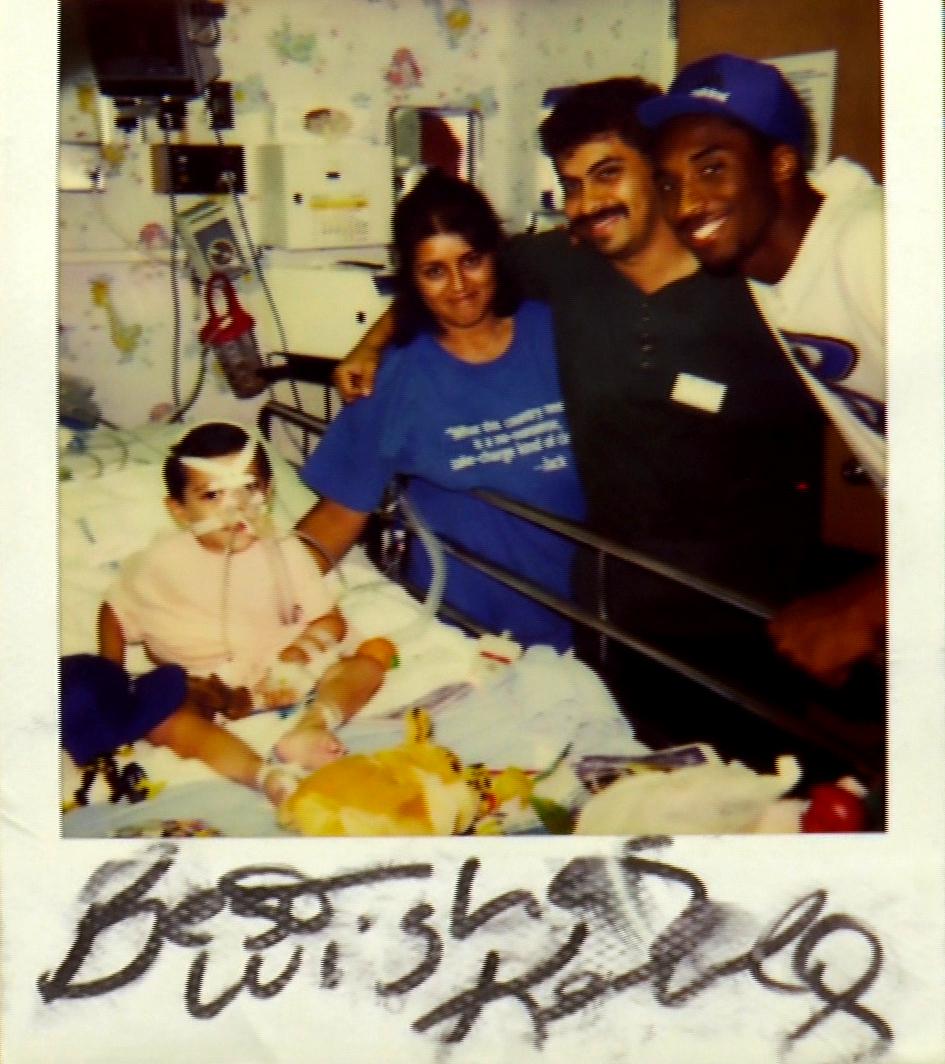 Laker Kobe Bryant visits Chris Leon in the hospital